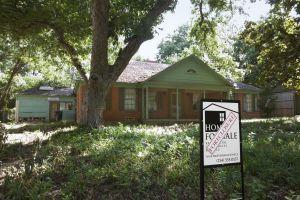 Location: Dallas, TX Description: Facade of home.