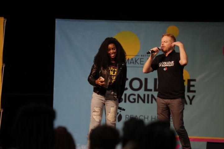 Kelly Rowland + Jesse Tyler Ferguson
