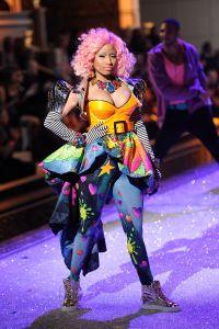 2011 Victoria's Secret Fashion Show - Performance